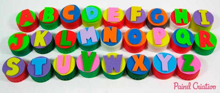 alfabeto-movel-tampinha-garrafa-pet-sala-de-aula-escola-alfabetizacao- reciclagem-4 (1)