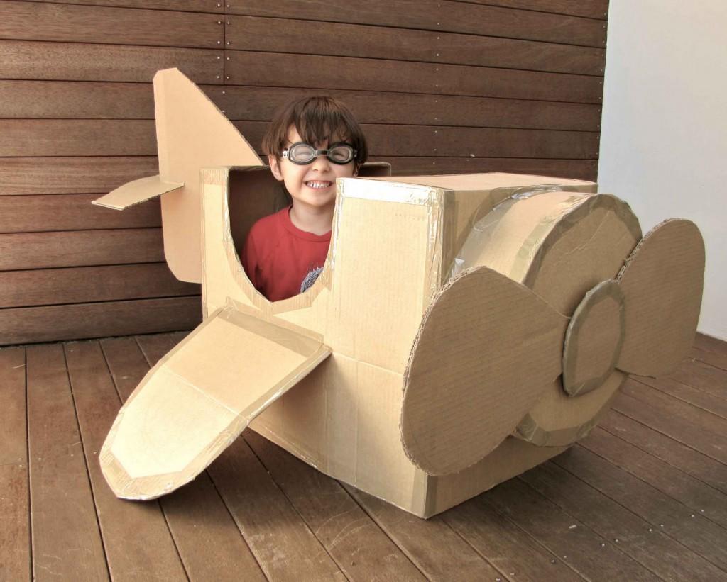 modelo aviao feito papelao crianca brinquedo reciclado (1)