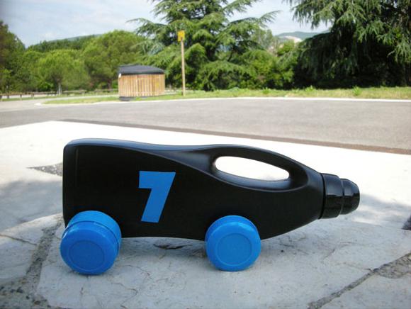 brinquedo reciclado sucata carrinhos embalagem plastica amaciante meninos brincar (3)