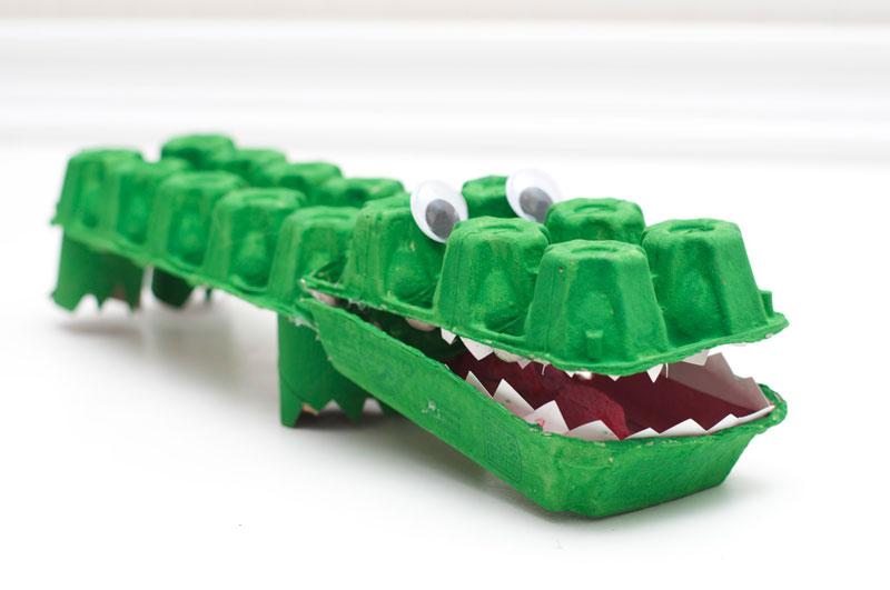 como fazer brinquedo reciclado jacare caixa de ovos crincas sala de aula escola projeto reciclagem (2)
