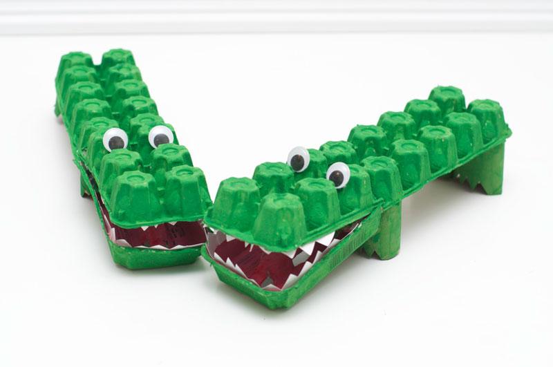 como fazer brinquedo reciclado jacare caixa de ovos crincas sala de aula escola projeto reciclagem (3)