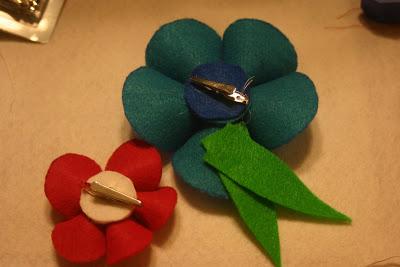 como fazer flores feltro arranjo cabelo broches roupa infantil menina bebe (4)