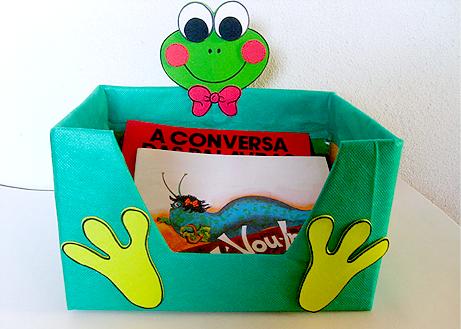 caixa papelao decorada EVA sala de aula guardar brinquedos cantinho leitura alfabetizacao escola (1)