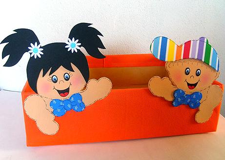 caixa papelao decorada EVA sala de aula guardar brinquedos cantinho leitura alfabetizacao escola (2)