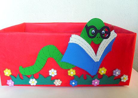 caixa papelao decorada EVA sala de aula guardar brinquedos cantinho leitura alfabetizacao escola (3)