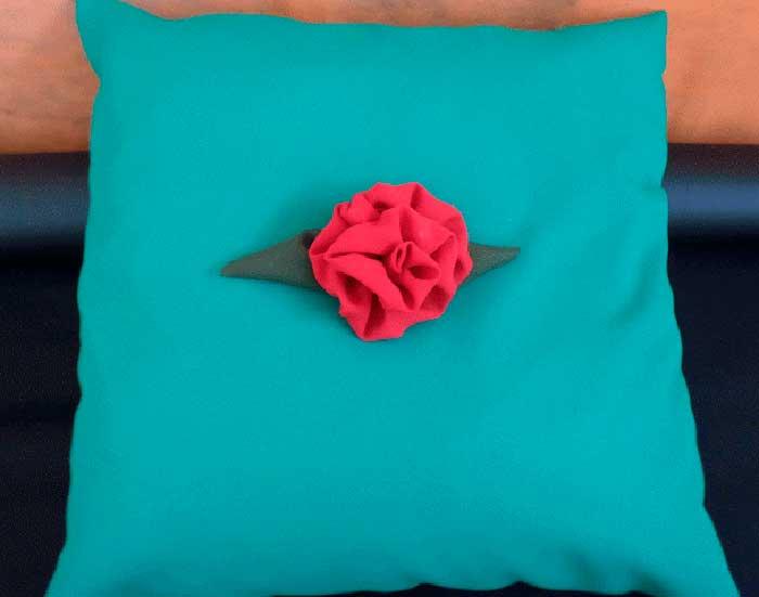 Como fazer flor tecido decoracao almofadas enfeite cabelo menina 2