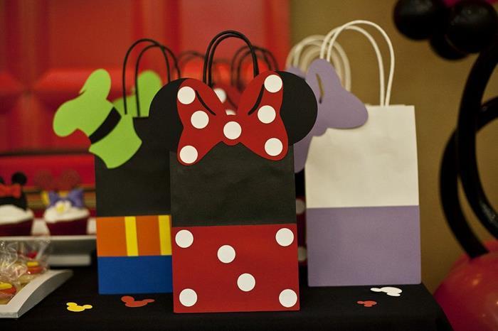 6 ideias criativas festa aniversario mickey decoracao mesa doces bolo lembrancinha criancas (3)