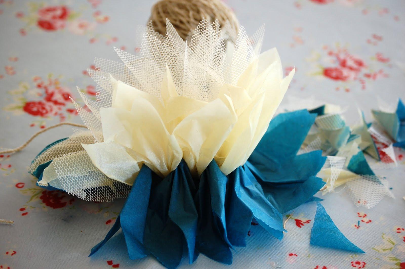 como fazer pompom papel de seda tule decoracao festa aniversario batizado casamento cha de bebe (5)