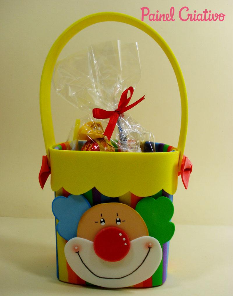 modelo-lembrancinha-palhaco-EVA-caixinha-de-leite-Dia-das-criancas-aniversario-volta-as-aulas-alunos-escola-reciclagem-6
