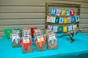 12 ideias festa aniversario infantil dinoussauros decoracao lembrancinhas criancas 10