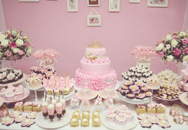 15 ideias festa infantil pricesas menina decoracao mesa doces lembrancinhas bolo aniversario
